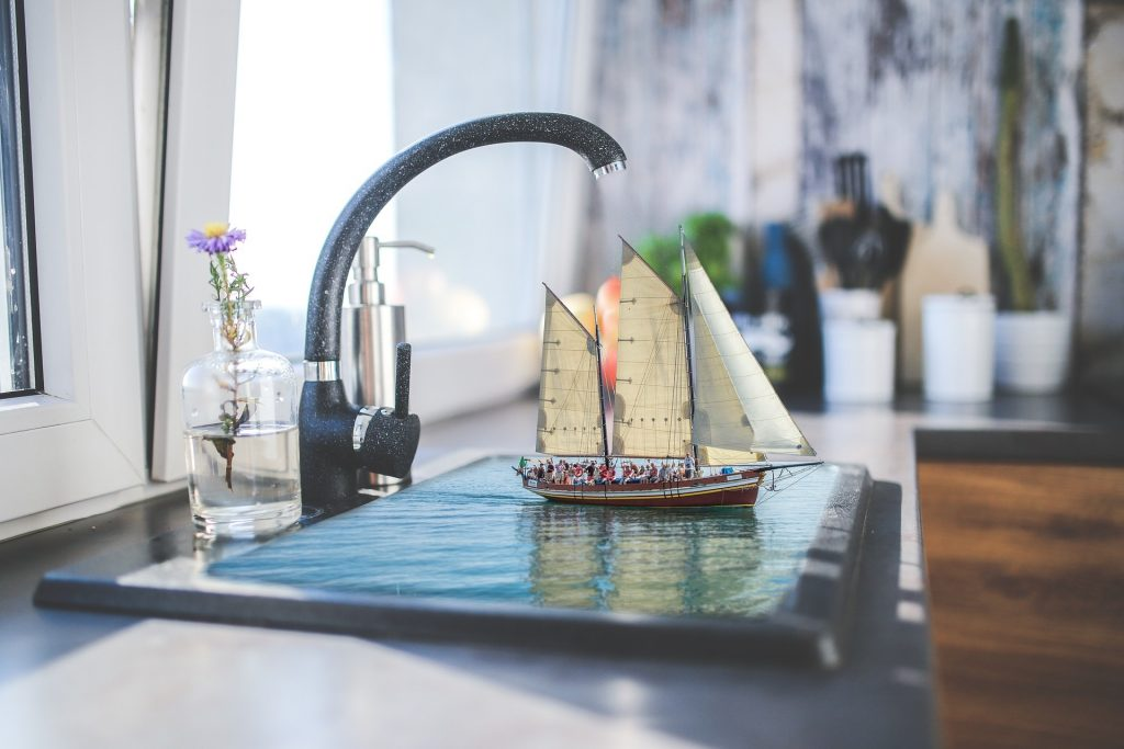 Saving Water Sink Sailing